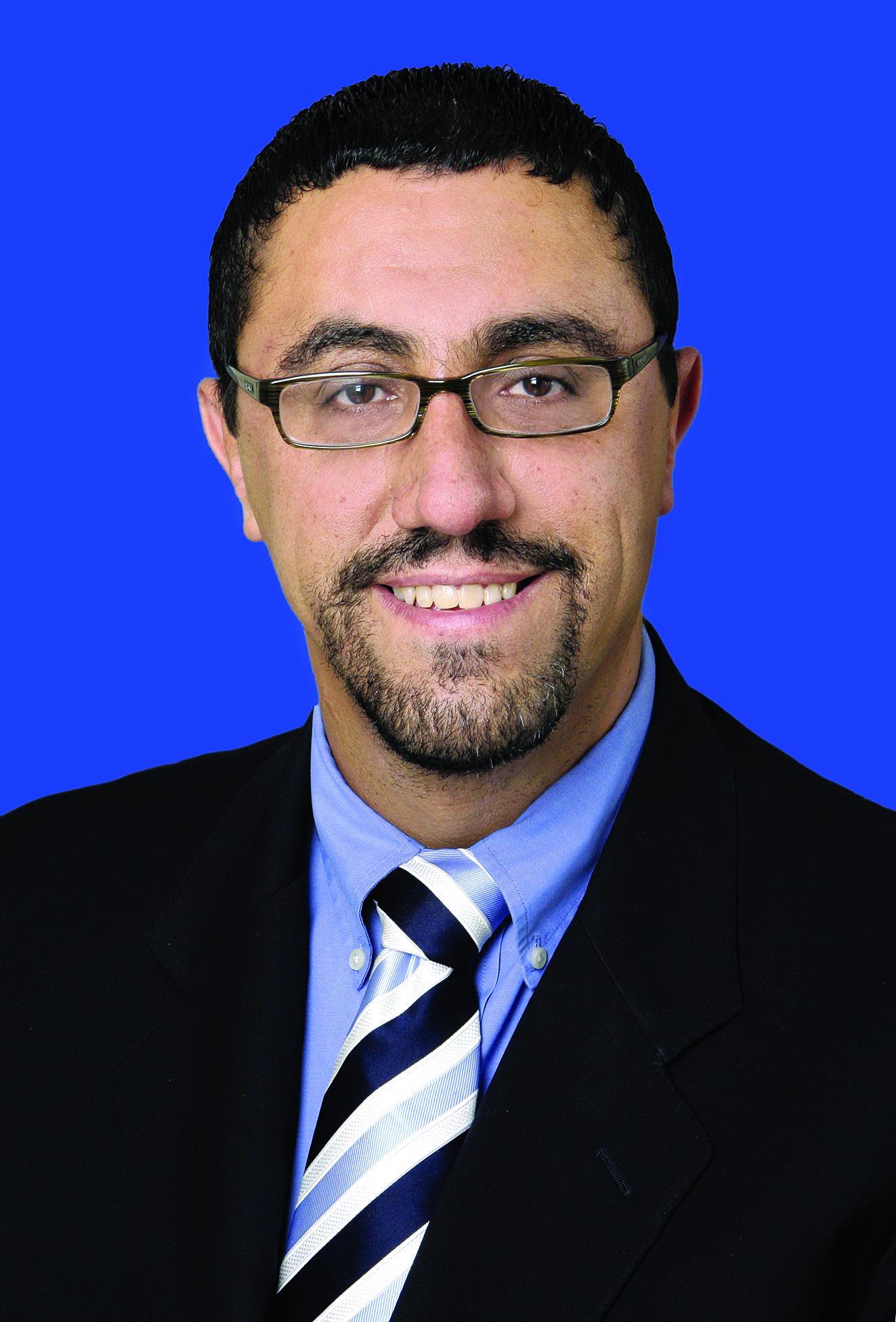 Dr Javier Perez-Fernandez